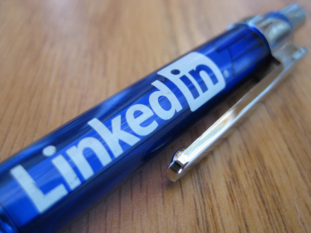 How to get noticed by executive search agencies
