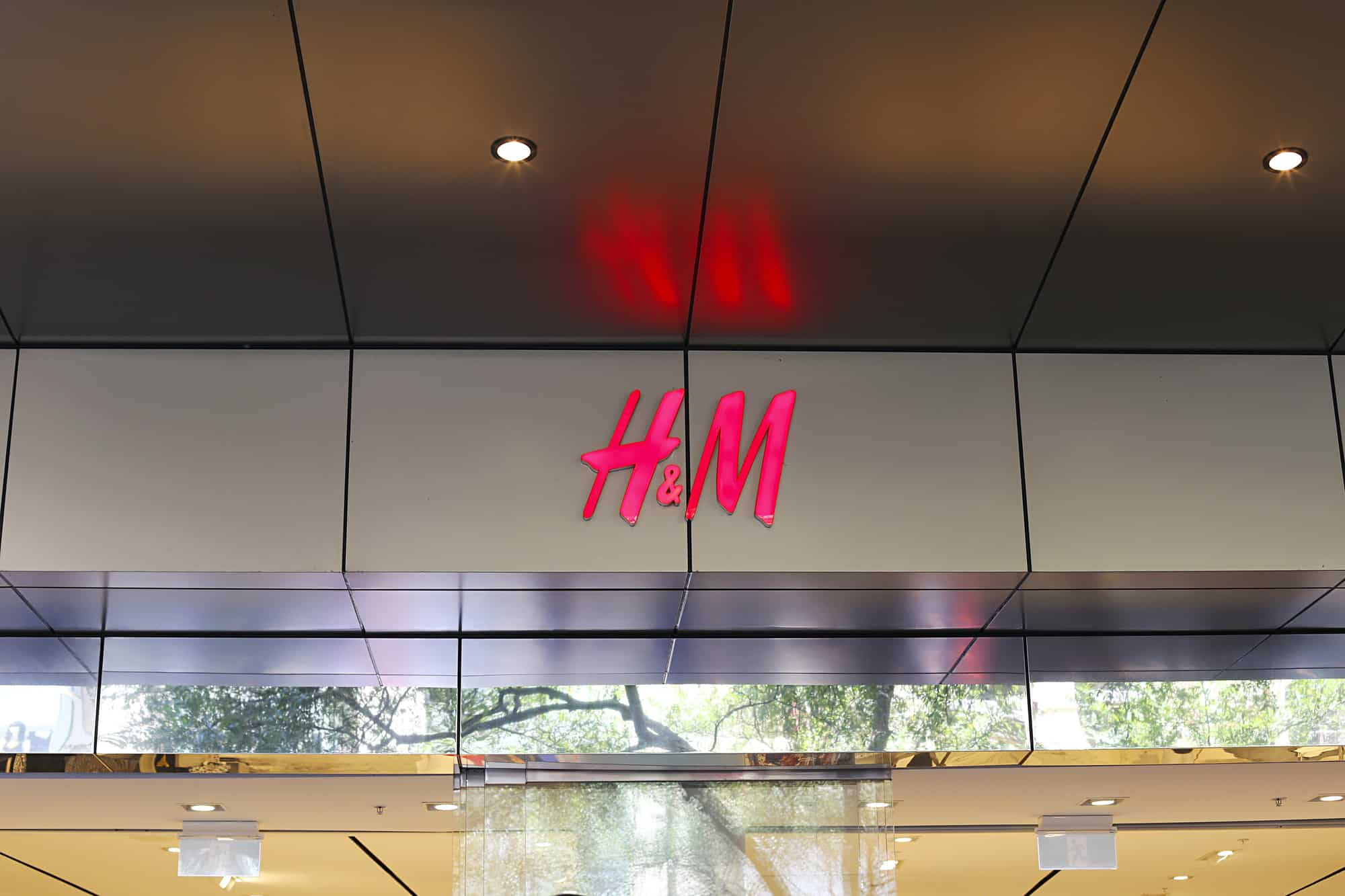 H&M announce a 71.2% decline in profits