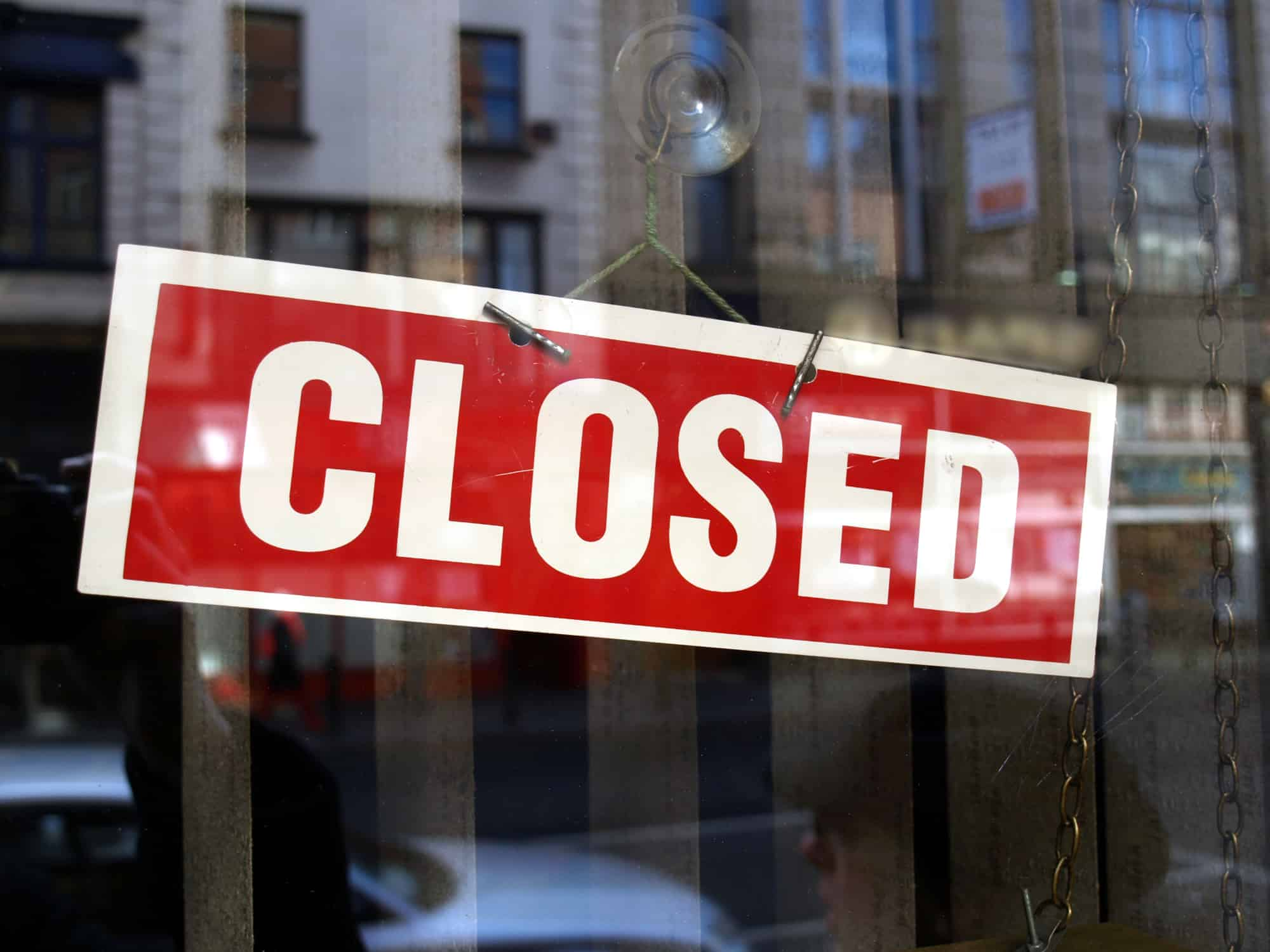 Fears of UK recession from factory and shop closures